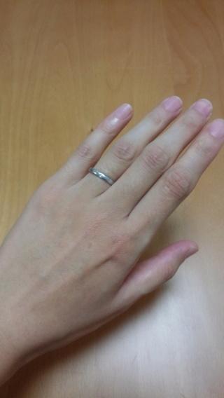 【俄(にわか)の口コミ】 最初は違うシリーズと迷っていたのですが、指輪の太さやダイヤを入れる、入…
