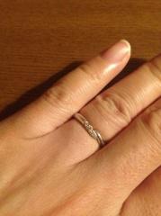 【エクセルコダイヤモンド(EXELCO DIAMOND)の口コミ】 まずダイヤモンドが入っているものの中から選びました。 ダイヤの数が1つ…