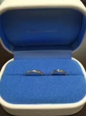【銀座ダイヤモンドシライシの口コミ】 特に主人が、デザインを気に入っています。シンプルですが、ラインの入り方…