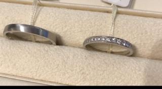 【Ponte Vecchio(ポンテヴェキオ)の口コミ】 ストレートタイプの指輪を初めて試着したのですが、サイズの違うメレダイ…