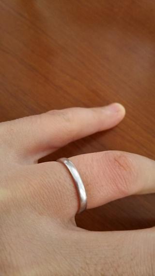 【エクセルコダイヤモンド(EXELCO DIAMOND)の口コミ】 毎日つけるものなので硬くて丈夫で、ひっかかりのないシンプルなデザインを…