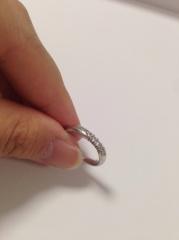 【ラザール ダイヤモンド(LAZARE DIAMOND)の口コミ】 ダイアモンドがこれだけしっかりついた結婚指輪も少なく、しかも価格がその…