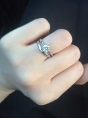 【宝寿堂(ほうじゅどう)の口コミ】 選ぶなら、1粒ダイヤのシンプルな指輪と決めていました。やはり、一番人気…