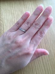 【4℃(ヨンドシー)の口コミ】 旦那様からプレゼントしてもらった婚約指輪が4℃(ヨンドシー)のものだっ…