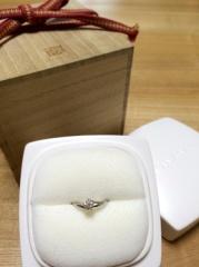 【俄(にわか)の口コミ】 私達は結婚を決めてから一緒に婚約指輪を探しました。色々と前調べで見てい…