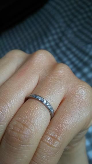 【4℃(ヨンドシー)の口コミ】 まず指輪を見せていただいた時、頭に描いていたイメージ通りのデザインに…