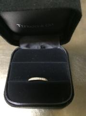 【ティファニー(Tiffany & Co.)の口コミ】 婚約指輪の必要性を感じていなかったため、結婚指輪をランクアップしてもら…