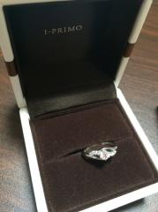 【アイプリモ(I-PRIMO)の口コミ】 指輪がたくさんありすぎて、とても迷いました。その中でも、一目惚れしてし…
