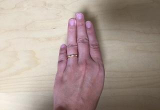 【ヴァンドーム青山(Vendome Aoyama)の口コミ】 主人の国イギリスでは、結婚指輪はゴールドに決まっていると言われ、私は…