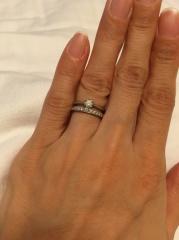 【TRECENTI(トレセンテ)の口コミ】 結婚指輪は双子ダイヤモンドです。男性は内側に、女性は表側に。このデザイ…