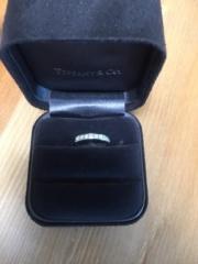 【ティファニー(Tiffany & Co.)の口コミ】 婚約指輪を兼ねての結婚指輪だったので、ちょっとだけ豪華なものにしたい…
