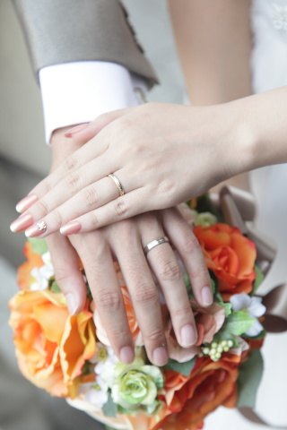 【PORTADA(ポルターダ)の口コミ】 私の両親の結婚指輪がゴールドだったので、自分もゴールドかプラチナとの…
