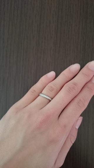 【俄(にわか)の口コミ】 デザインはもちろんですが、 やっぱり名前と意味が決めてでした。 この指…