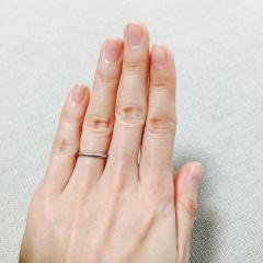 【ティファニー(Tiffany & Co.)の口コミ】 婚約指輪がサイドにもダイヤモンドがある煌びやかなデザインだったため、…