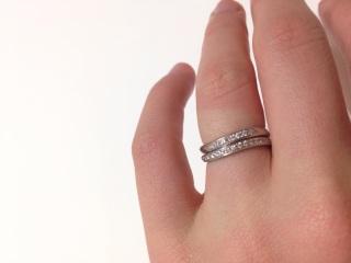 【ギンザタナカブライダル(GINZA TANAKA BRIDAL)の口コミ】 指輪のカーブが互いに合っていて、何通りかの組み合わせで使用でき、 重ね…