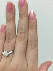 【日本ダイヤモンド貿易の口コミ】 1ct.のダイヤモンドで、値段はそこそこが良かった。ティファニーやカルテ…