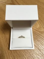 【ギンザタナカブライダル(GINZA TANAKA BRIDAL)の口コミ】 最初はダイヤが一つだけのデザインで探していましたが、色々見ていくうちに…