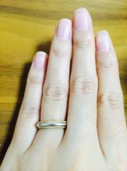 【ティファニー(Tiffany & Co.)の口コミ】 プラチナ一色の指輪に抵抗があり、コンビタイプの指輪を探していて、外側…
