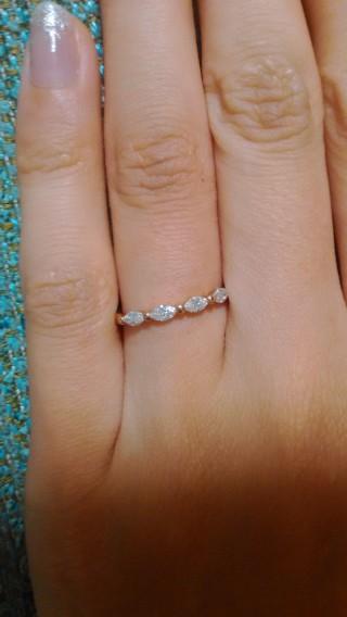 【ete(エテ)の口コミ】 婚約指輪は豪華なものもあこがれましたが、せっかくの指輪だから普段もつけ…