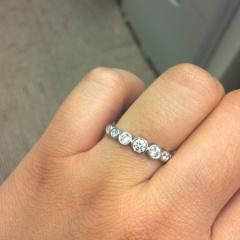 【ティファニー(Tiffany & Co.)の口コミ】 結婚当時、婚約指輪なんて勿体ない!と購入しなかったのですが、2年経つ頃…