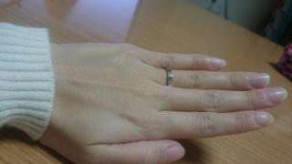 【銀座ダイヤモンドシライシの口コミ】 シンプルでも存在感のある指輪を探していました。 プラチナとピンクゴール…