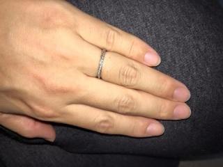 【銀座ダイヤモンドシライシの口コミ】 華奢なリングを探していましたが、私の指にはなかなか似合いませんでした。…