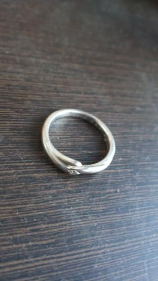 【スタージュエリー(STAR JEWELRY)の口コミ】 結婚当時指輪の下調べを全くせずに店舗に行きました。 何軒か見ていたので…