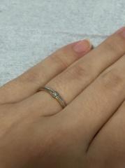 【festaria bijou SOPHIA(フェスタリア ビジュソフィア)の口コミ】 細めで2色使ってるところ、ダイヤが付いてるのも魅力でした。ストレートで…