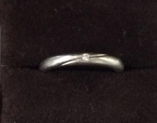【アイプリモ(I-PRIMO)の口コミ】 結婚指輪を普段着けにするつもりだったので、シンプルなもの、かつただのリ…