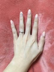 【4℃(ヨンドシー)の口コミ】 主人が婚約指輪感がある指輪が良いという意見があり、古臭いデザインにな…