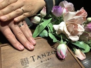 【TANZO(タンゾウ)の口コミ】 決め手はシンプルかつ丈夫で長く身に付けられるという点です。婚約指輪は…