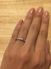 【ティファニー(Tiffany & Co.)の口コミ】 ダイヤモンドが入ってるもので、なおかつプラチナのものが良かった。ハーフ…