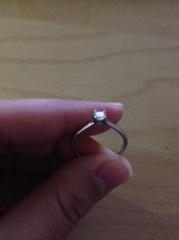 【ティファニー(Tiffany & Co.)の口コミ】 ティファニーが好きなので、婚約指輪はティファニーと決めており夫にもそ…