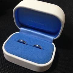 【銀座ダイヤモンドシライシの口コミ】 結婚指輪は毎日つけたい! と思っているので、 なるべくダイヤとかが入っ…