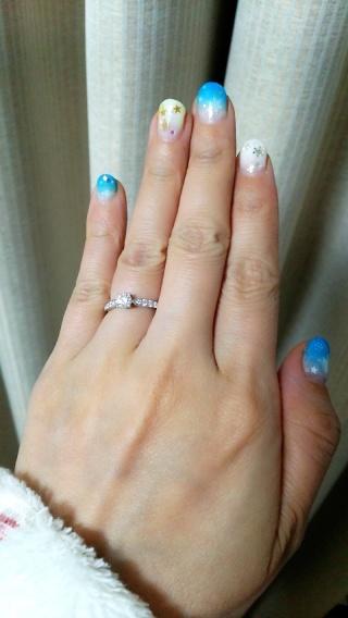 【ティファニー(Tiffany & Co.)の口コミ】 婚約指輪としていかにもな立て爪の大粒ダイヤが、ぱっと目を引くところが…