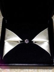 【エクセルコダイヤモンド(EXELCO DIAMOND)の口コミ】 立て爪のデザインを探していました。おすすめして下さったダイヤを見てとて…