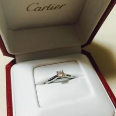 【カルティエ(Cartier)の口コミ】 シンプルで使いやすいデザイン。 且つ美しいダイヤモンドのカッティング、…