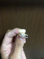 【4℃(ヨンドシー)の口コミ】 指輪の決め手は、ずばり気に入ったデザインのものがあったからです。シンプ…