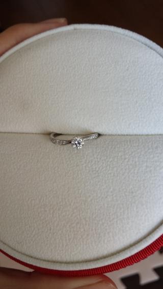【ヴァンドーム青山(Vendome Aoyama)の口コミ】 婚約指輪を購入するか迷ったのですが、夫の勧めもありデパートを見て回りま…