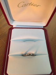 【カルティエ(Cartier)の口コミ】 シンプルでどんな場所にも付けられるデザインの指輪が欲しかったので、一粒…