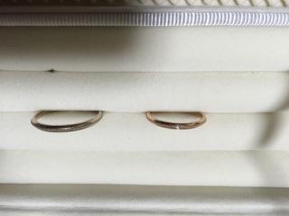 【ジル スチュアート(JILLSTUART)の口コミ】 指輪は旦那さんのはゴールド、わたしのはピンクゴールドがいいなと思って…