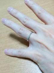 【LUCIE(ルシエ)の口コミ】 結婚指輪なので、夫婦のお揃い感があるデザインのものを探していました。…