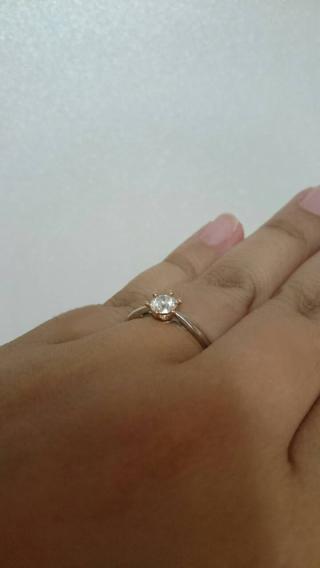 【LEHAIM(レハイム)の口コミ】 婚約指輪と結婚指輪はセット販売ではなかったんですが、重ね付けしても合…