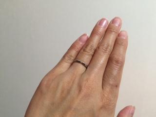 【4℃(ヨンドシー)の口コミ】 二人ともあまり派手なものは好きではないため比較的シンプルなタイプの指…