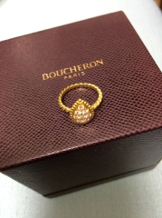 【ブシュロン(BOUCHERON)の口コミ】 婚約指輪でゴールドのものが欲しかったので、ゴールドということがまずひと…