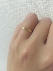 【agete(アガット)の口コミ】 華奢なデザインで、自分の肌の色にあうゴールドをさがしていました。 元々…