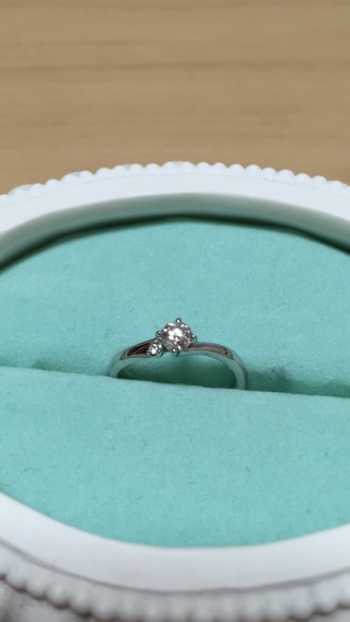 【Disney Cinderella(ディズニー シンデレラ)の口コミ】 結婚を決めた時から婚約指輪は絶対にディズニーのシンデレラにしようと思っ…