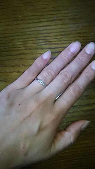 【SOPHY(ソフィ)の口コミ】 シンプルで良かったです。お値段もお手頃。婚約指輪にはもちろん、結婚指輪…