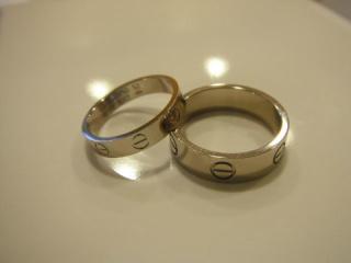 【カルティエ(Cartier)の口コミ】 結婚指輪で重視したことは普段の生活で着けられるように、石や過剰な装飾…
