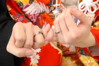 【ichi(イチ)の口コミ】 雑誌で結婚指輪を探していて、べっ甲入りの指輪に主人が一目惚れ。もとも…